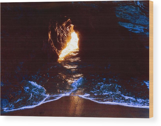 Ocean Wood Print featuring the photograph Sun In The Hole In The Rock 3 by Lyle Crump