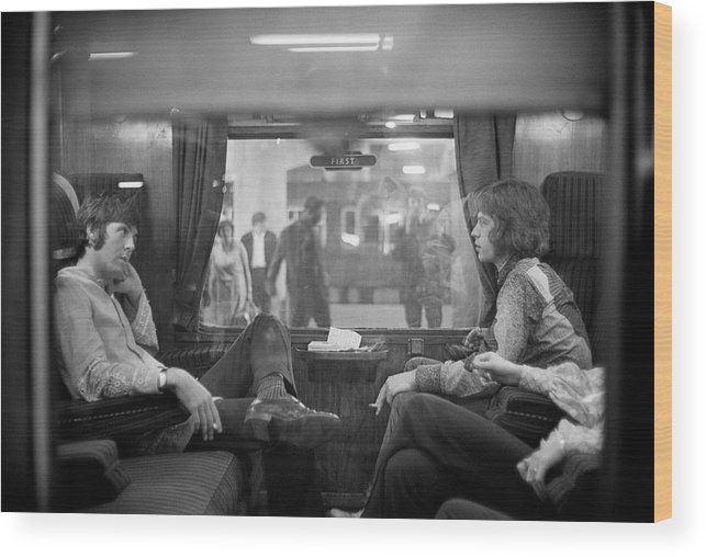 Singer Wood Print featuring the photograph First Class Travel by Victor Blackman