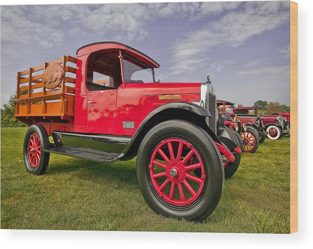 Transportation Wood Print featuring the photograph 1933 International Truck by Marcia Colelli