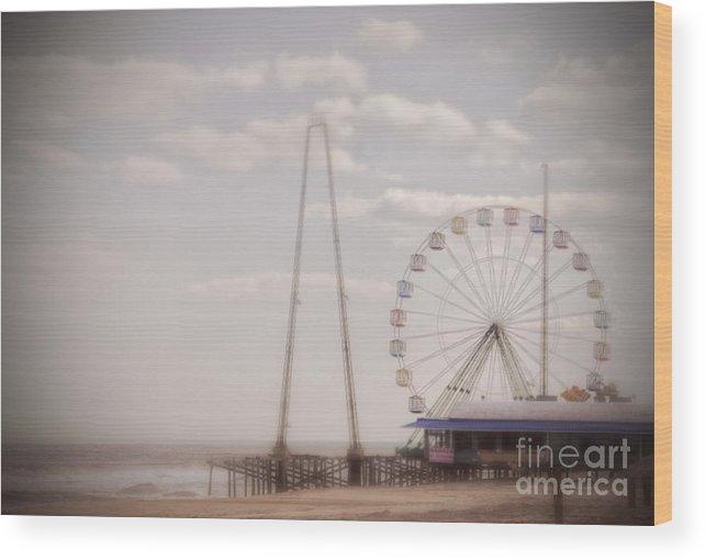 Super Storm Sandy Wood Print featuring the photograph Funtown Pier by Debra Fedchin