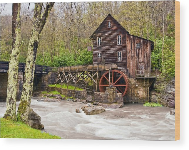 Grist Mill Wood Print featuring the photograph Glade Creek by Marcia Colelli