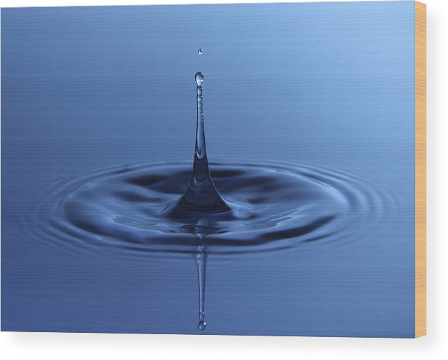 Water Wood Print featuring the photograph Water Dropp by Christoffer Rathjen