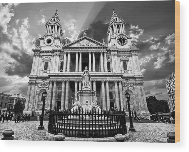 Cathedral Wood Print featuring the photograph Saint Paul's Cathedral by Meirion Matthias