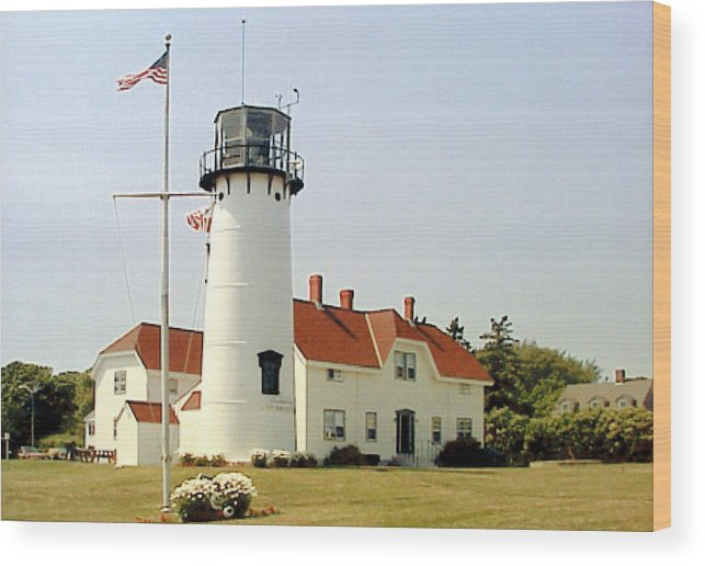 Chatham Lighthouse Photograph Wood Print featuring the photograph Chatham Lighthouse by Frederic Kohli