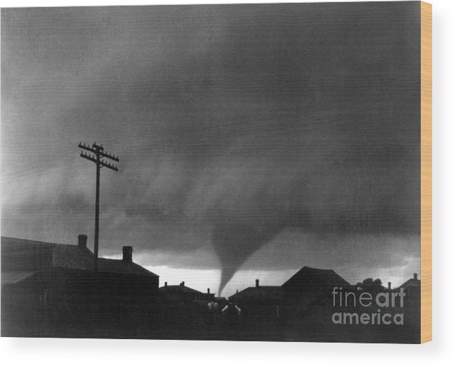 1902 Wood Print featuring the photograph Kansas: Tornado, C1902 by Granger