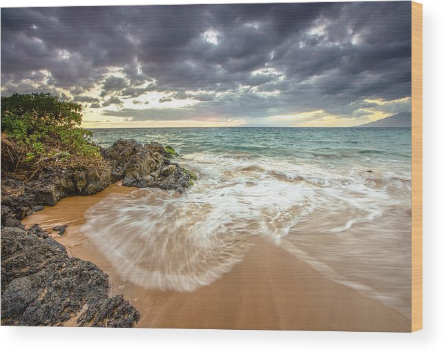 Sunset Wood Print featuring the photograph Wailea Sunset From Maui by Robert Aycock