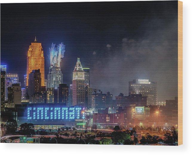 Cincinnati Wood Print featuring the photograph 2019 Webn Fireworks Cincinnati Ohio Skyline by Dave Morgan