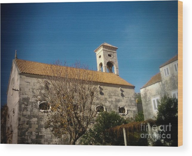 Church Wood Print featuring the photograph Church 2 by Linda De La Rosa
