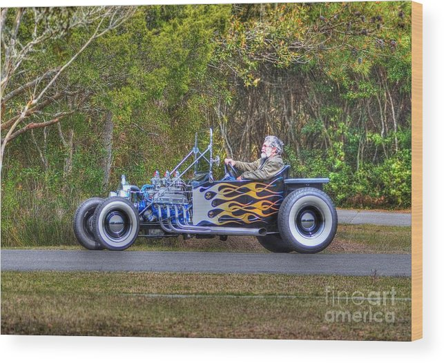 Vintage Cars Wood Print featuring the photograph Cruizin by Kathy Baccari
