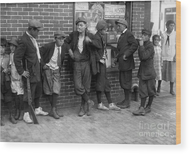 1916 Wood Print featuring the photograph Massachusetts: Gang, C1916 by Granger