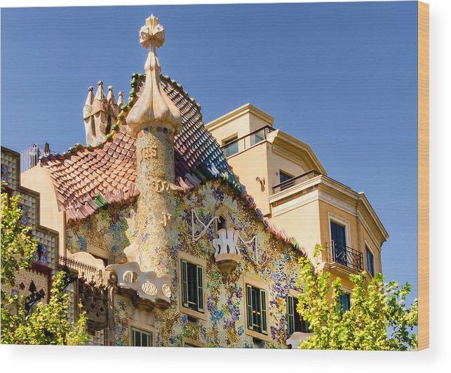 Casa Batllo Wood Print featuring the photograph Gaudi Apartment by Jon Berghoff