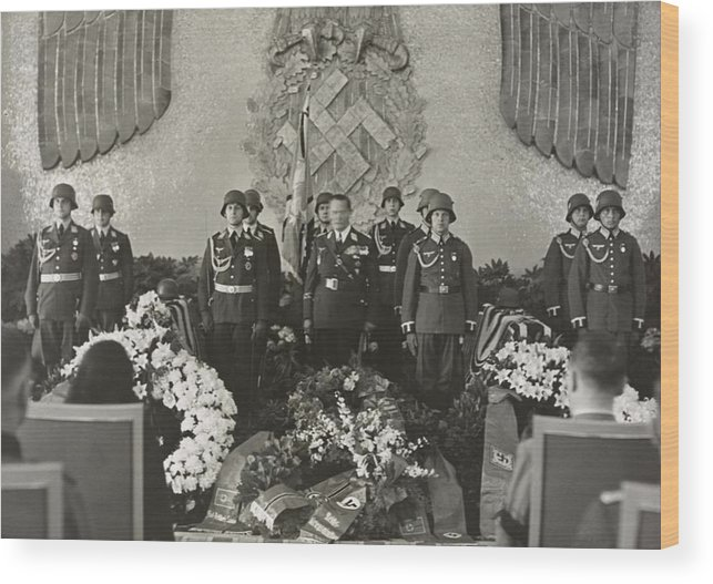 History Wood Print featuring the photograph Hermann Goering At The Funeral by Everett