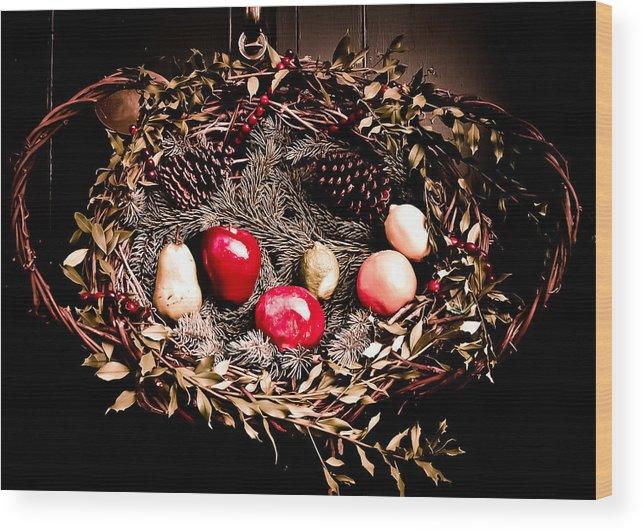 Christmas Wood Print featuring the photograph Historic Christmas Wreath by Sarah Cafaro