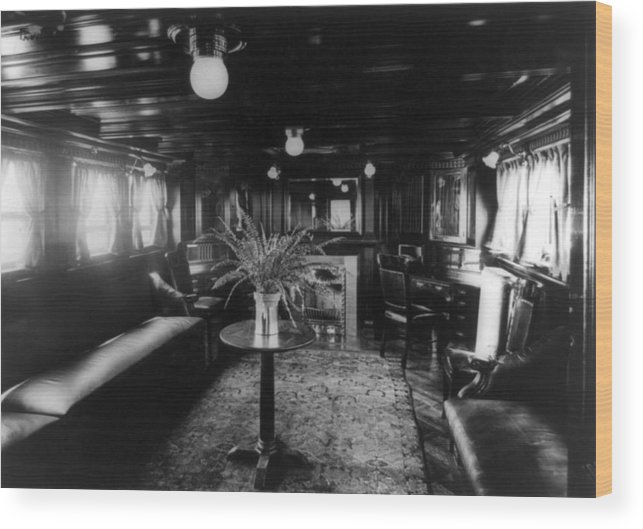 1920s Candid Wood Print featuring the photograph Smoking Room On The Presidential Yacht by Everett