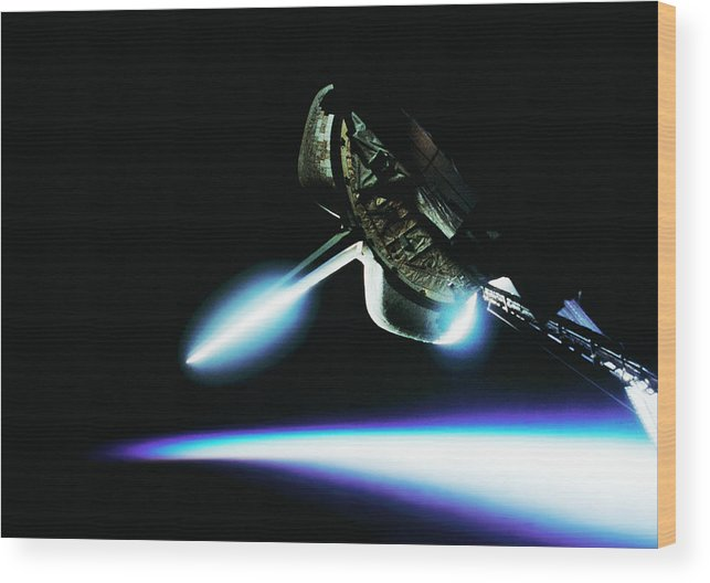 Space Shuttle Wood Print featuring the photograph Space Shuttle by Science Photo Library