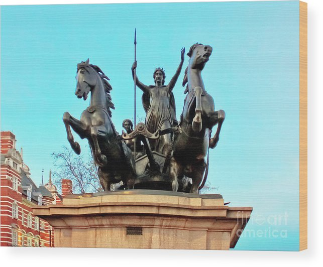 Statue Of Boudicca Wood Print featuring the photograph Boudicca On Westminster Bridge by Terri Waters