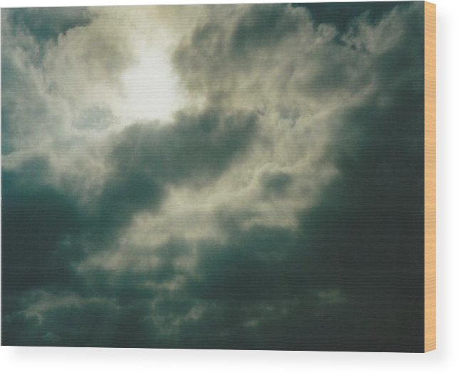 Sky Wood Print featuring the photograph Carthage Missouri by Gene Linder