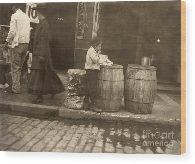 1909 Wood Print featuring the photograph Boston: Slums, 1909 by Granger