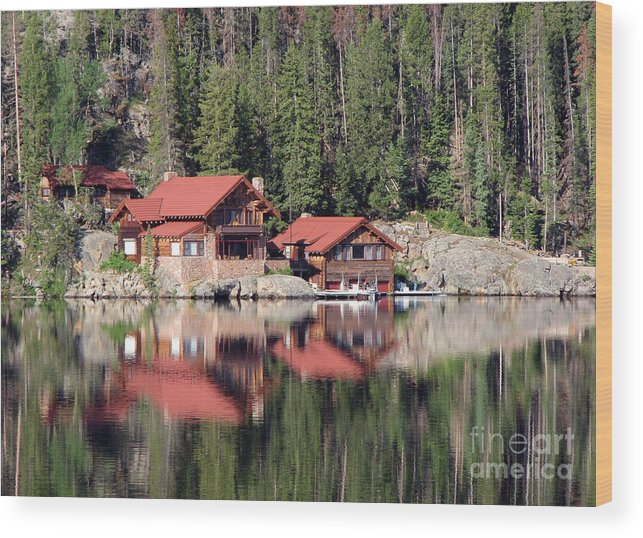 Cabin Wood Print featuring the photograph Cabin by Amanda Barcon