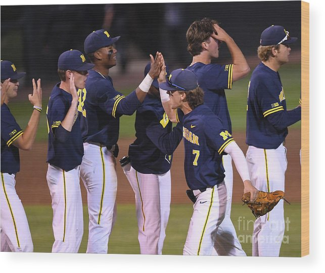 California Wood Print featuring the photograph Michigan V Ucla - Game One by Jayne Kamin-oncea