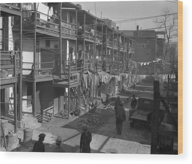 1935 Wood Print featuring the photograph Washington Slum, 1935 by Granger