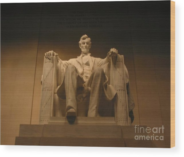 Abraham Lincoln Wood Print featuring the painting Lincoln Memorial by Brian McDunn