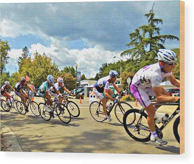 Grand Prix Wood Print featuring the photograph Last Turn by Josephine Buschman