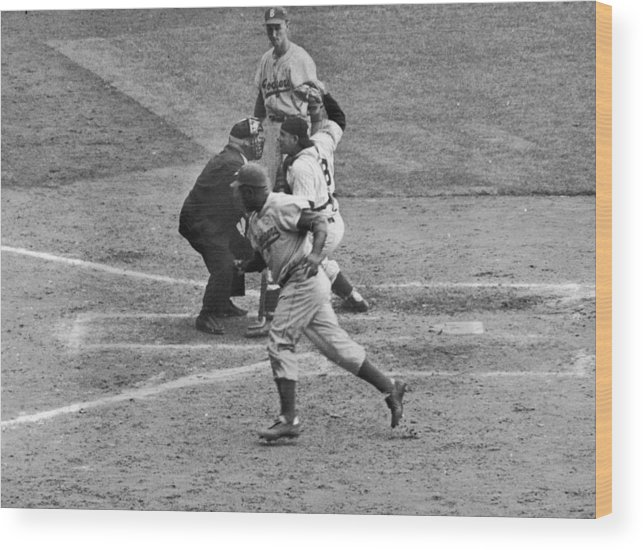 People Wood Print featuring the photograph Jackie Robinson And Yogi Berra by Hulton Archive