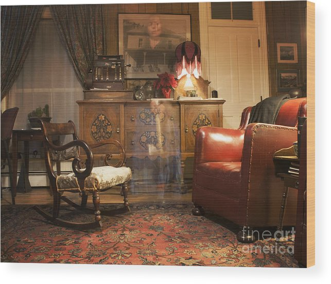 601 Klondyke Ave Wood Print featuring the photograph The Lobby by Juli Scalzi