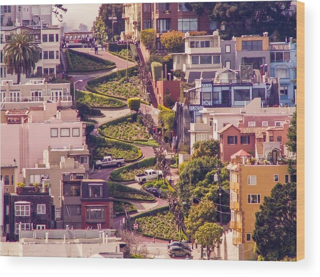San Francisco Photographs Wood Print featuring the photograph Lombard Street. by Leroy McLaughlin