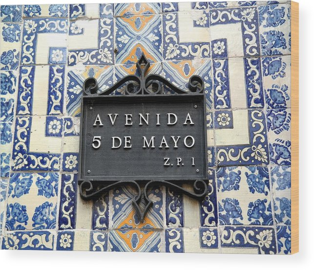Avenida 5 De Mayo Wood Print featuring the photograph Avenida 5 De Mayo by Victor Carvalho