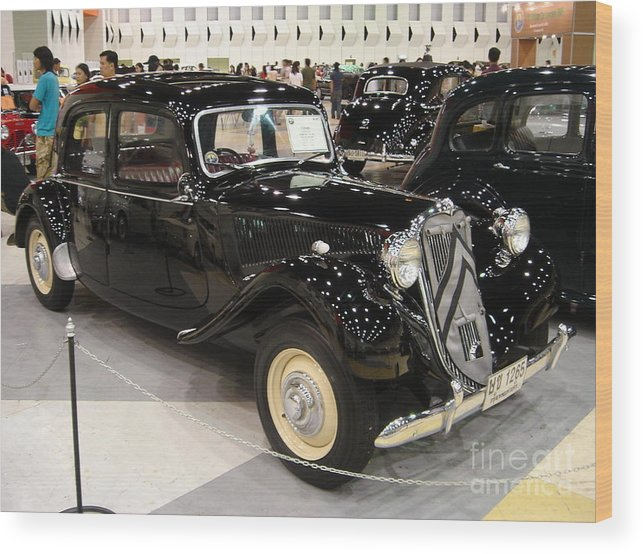 Vintage Wood Print featuring the photograph Citroen by Mike Holloway