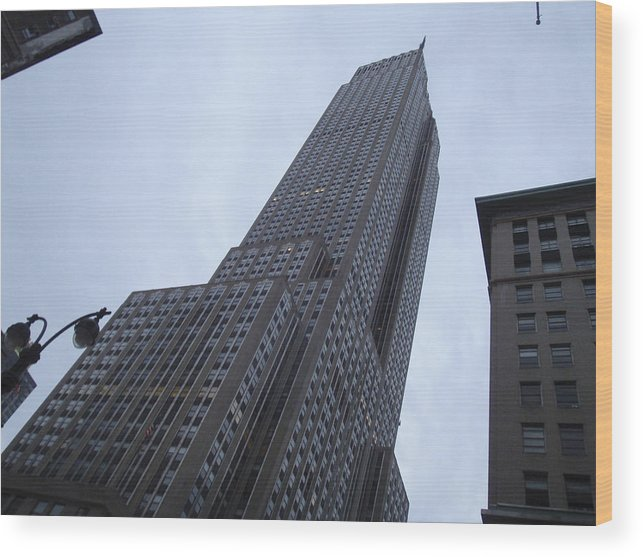 Sky Wood Print featuring the photograph Empire State No 1 by Dan Andersson
