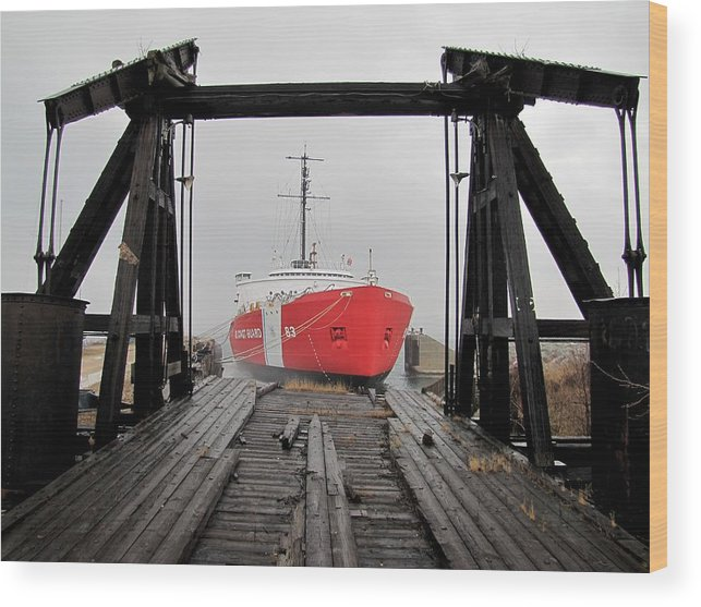 Mackinaw Wood Print featuring the photograph Uscgc Mackinaw Framed By Railroad Elevator by Keith Stokes