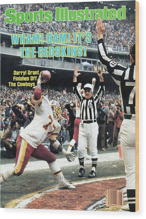 Magazine Cover Wood Print featuring the photograph Washington Redskins Darryl Grant, 1983 Nfc Championship Sports Illustrated Cover by Sports Illustrated