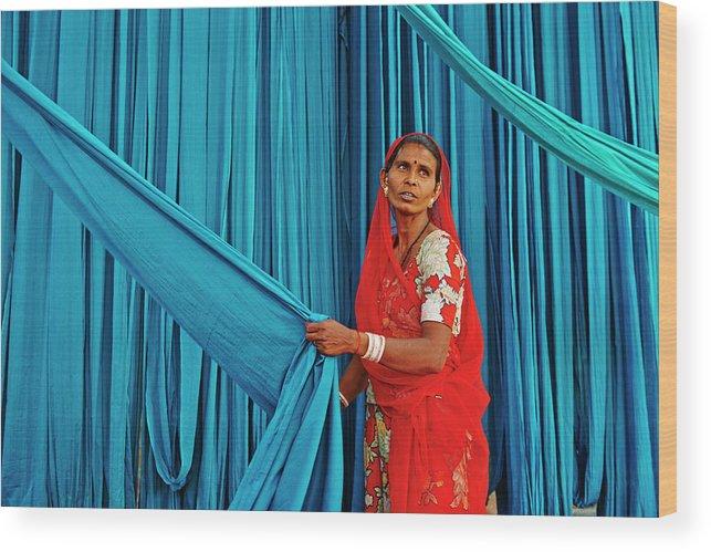 People Wood Print featuring the photograph India, Rajasthan, Sari Factory by Tuul & Bruno Morandi