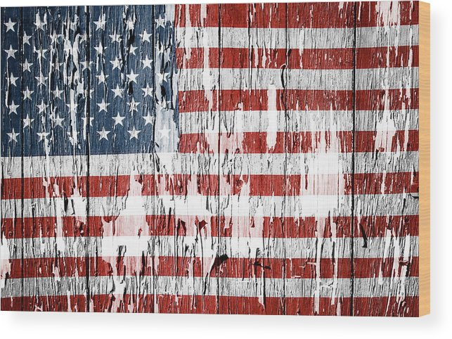 Flag Wood Print featuring the photograph American flag grunge effect by Les Cunliffe