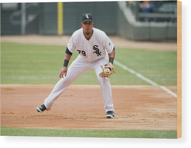 American League Baseball Wood Print featuring the photograph Minnesota Twins V Chicago White Sox by Ron Vesely