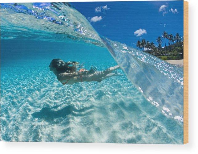 Ocean Wood Print featuring the photograph Aqua Dive by Sean Davey