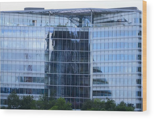 London Wood Print featuring the photograph Business District Glass Building by Richard Henne