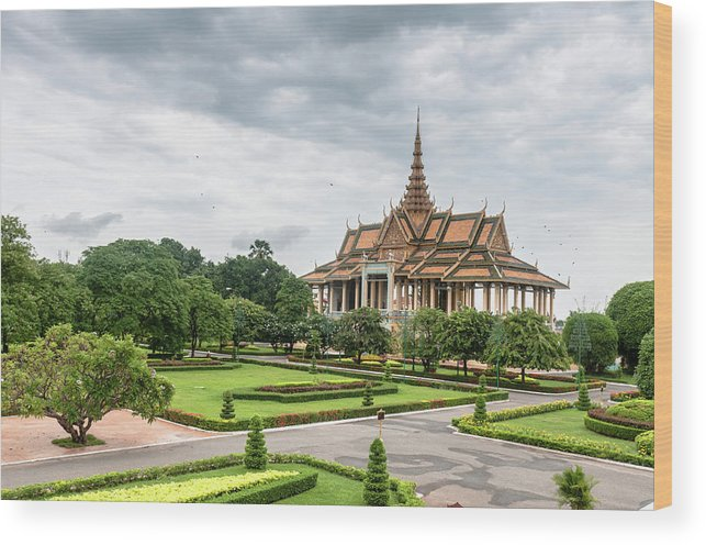 Southeast Asia Wood Print featuring the photograph Gardens At The Royal Palace In Phnom by Tbradford