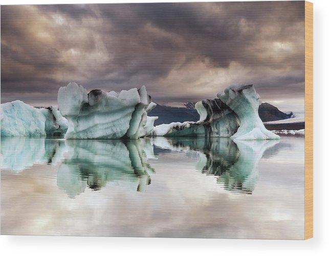 Scenics Wood Print featuring the photograph Jokulsarlon, Iceland by Gunnar Örn Árnason