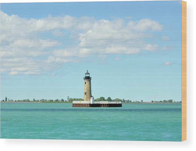 Scenics Wood Print featuring the photograph Lighthouse Lake St. Clair by Rivernorthphotography