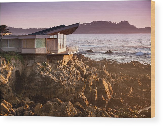 Water's Edge Wood Print featuring the photograph Luxury Home Overlooks The Big Sur by Pgiam