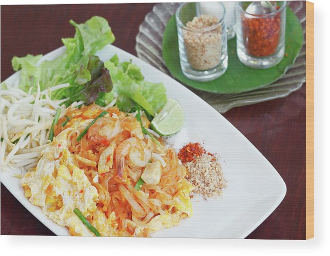 Prawn Wood Print featuring the photograph Pad Thai by Tommyix