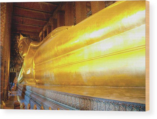 Statue Wood Print featuring the photograph Reclining Buddha, Wat Pho by Leontura