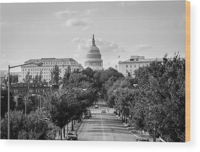 Washington D.c. Wood Print featuring the photograph Road to the Capital by Ryan Routt