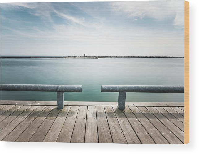 Scenics Wood Print featuring the photograph Torontos Lakeside by Www.piotrhalka.com