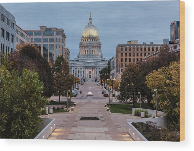 Land Vehicle Wood Print featuring the photograph Wisconsin State Capitol Building by Kenneth C. Zirkel