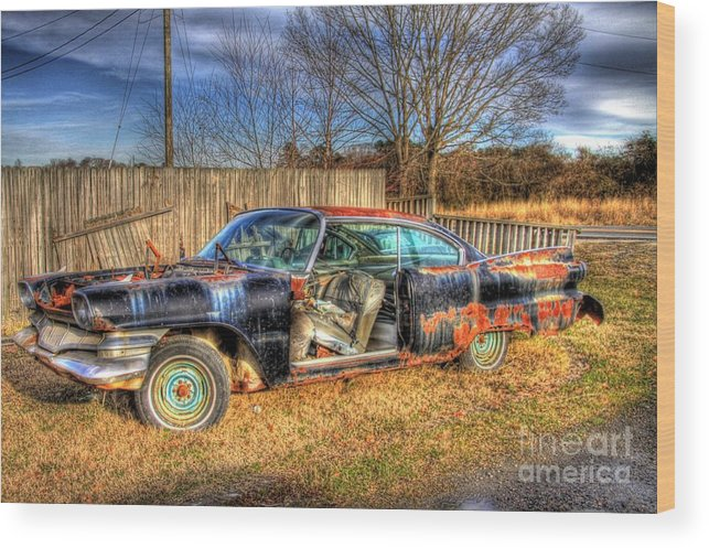 Vintage Car Wood Print featuring the photograph Roadside Rollin by Brenda Giasson
